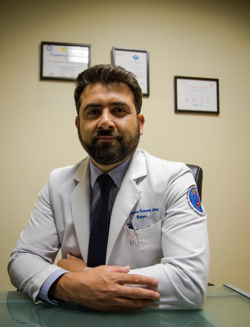 Dr. Rigoberto Rodríguez - Urólogo